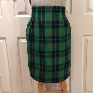 REPOSH- Talbots Tartan Skirt Sz 4 (Fits like a 2)